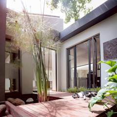 Entrance door: modern Windows & doors by Architects Of Justice