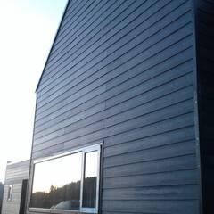 CASA QUAST : Casas de estilo escandinavo por VIVANCO & PINTO D´AGUIAR ARQUITECTOS
