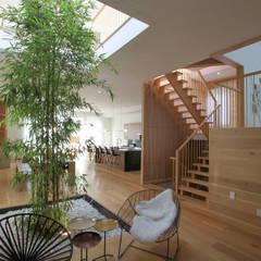 living room: modern Living room by AtelierSUN
