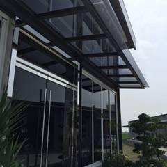 系統展示空間設計規劃: translation missing: tw.style.住宅.minimalist 住宅 by 延伸建築 室內設計 EXTENSION DESIGN STUDIO
