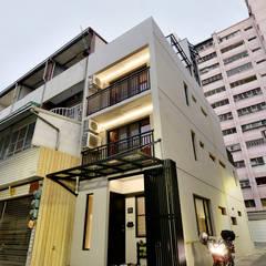 天朗氣清-王家老宅翻新: translation missing: tw.style.住宅.eclectic 住宅 by Unicorn Design