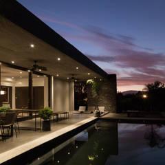 : Piscinas de estilo translation missing: cl.style.piscinas.moderno por JPV Arquitecto
