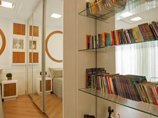 Casa Swiss Park Campinas II: Quartos translation missing: br.style.quartos.moderno por Designer de Interiores e Paisagista Iara Kílaris