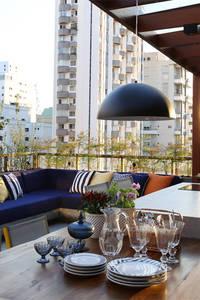 Cobertura - Pinheiros: Terraços translation missing: br.style.terraços.moderno por MANDRIL ARQUITETURA E INTERIORES