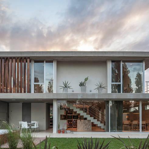 La arquitectura racionalista es tendencia en casas de country for Arquitectura racionalista