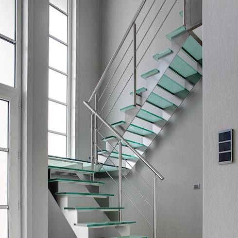 Wentelen op stalen trappen - Midden kamer trap ...