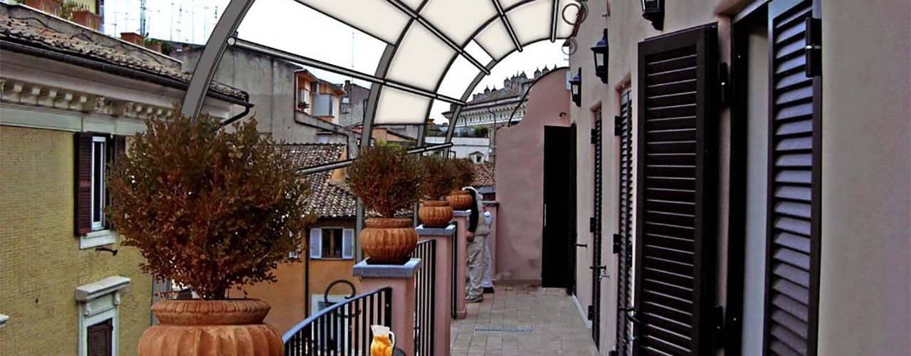 Come arredare un piccolo balcone stretto e lungo for Arredare piccolo balcone