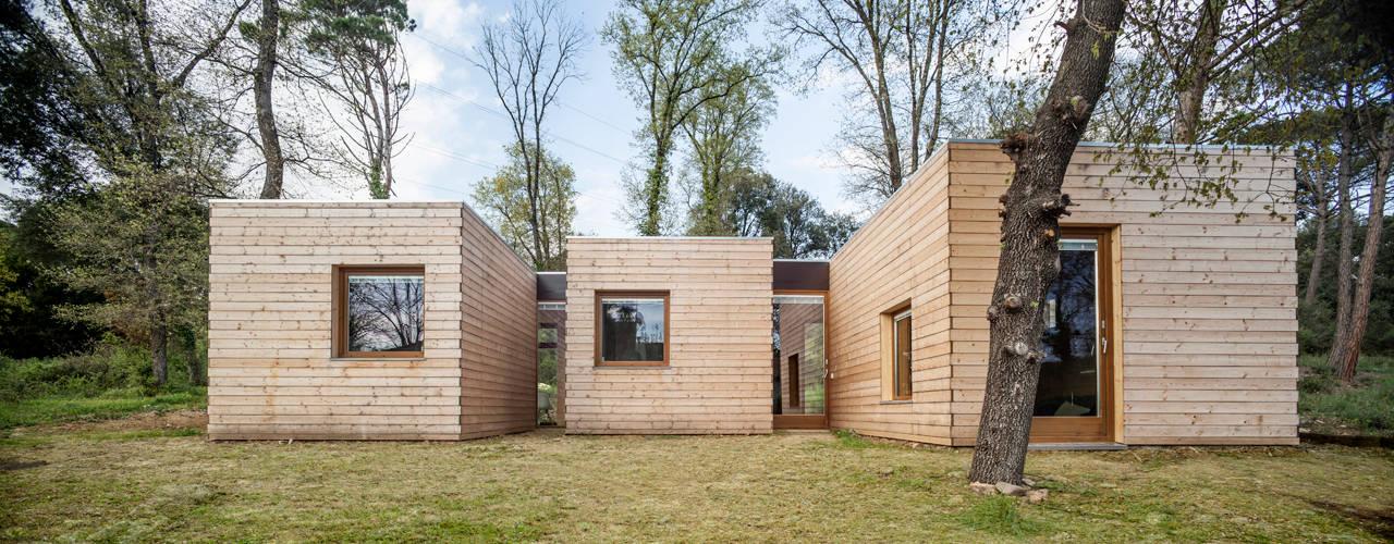 Alventosa Morell Arquitectes: modern tarz Evler