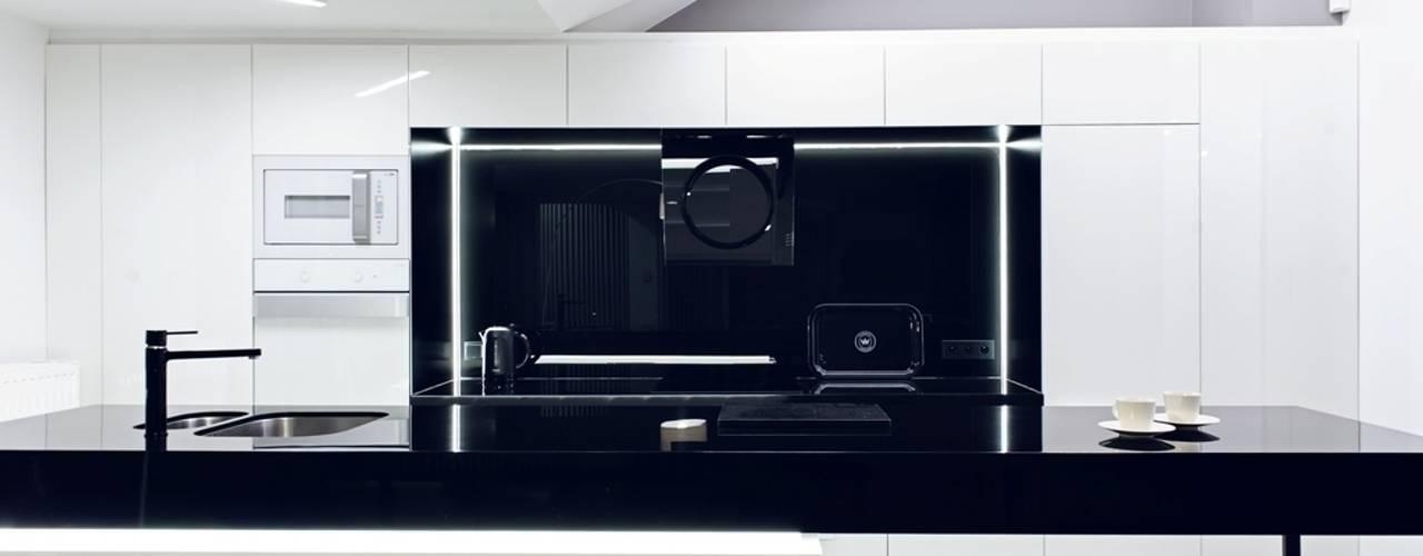Apartament w Gdańsku 2012: styl translation missing: pl.style.kuchnia.industrialny, w kategorii Kuchnia zaprojektowany przez formativ. indywidualne projekty wnętrz