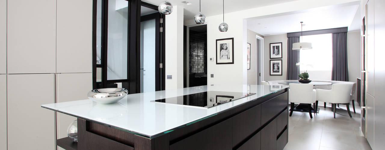 10 aufregende k chen in schwarz wei. Black Bedroom Furniture Sets. Home Design Ideas