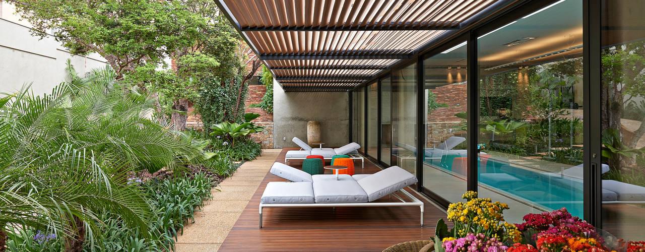 Terrazas  de estilo translation missing: cl.style.terrazas-.moderno por Beth Nejm