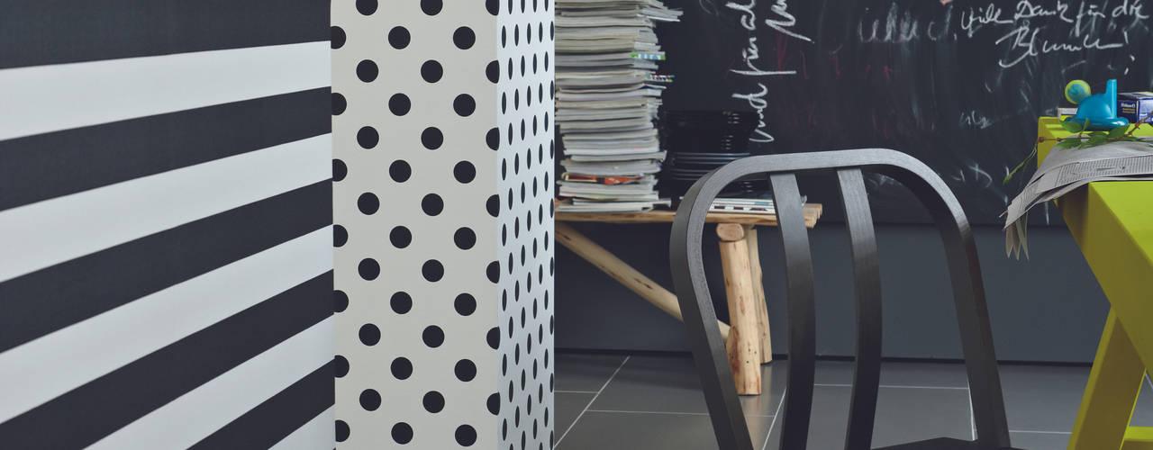 Blockstreifen schwarz/ weiß horizontal: translation missing: de.style.wände-boden.modern Wände & Boden von Tapeto® - Steffen Hannes