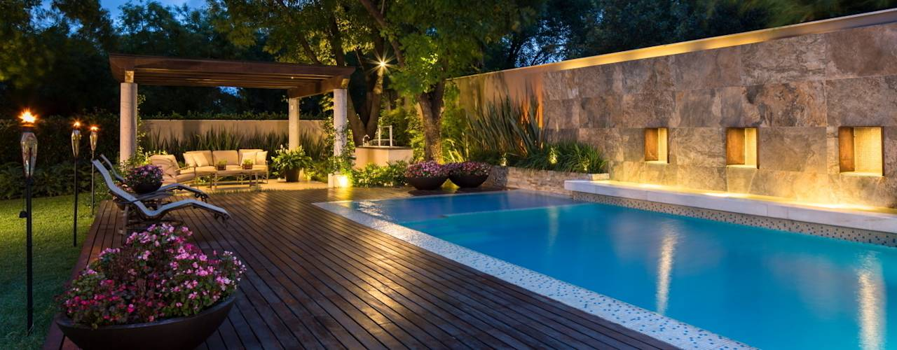 Piscinas de estilo translation missing: cl.style.piscinas.moderno por Rousseau Arquitectos