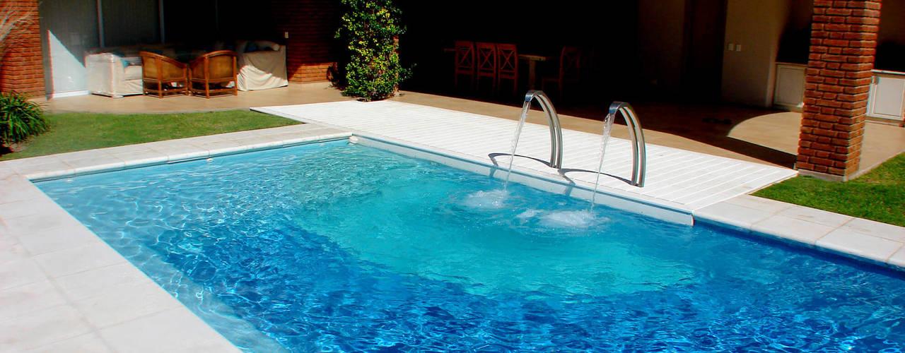 16 albercas familiares ideales para el patio trasero for Patios modernos con piscina