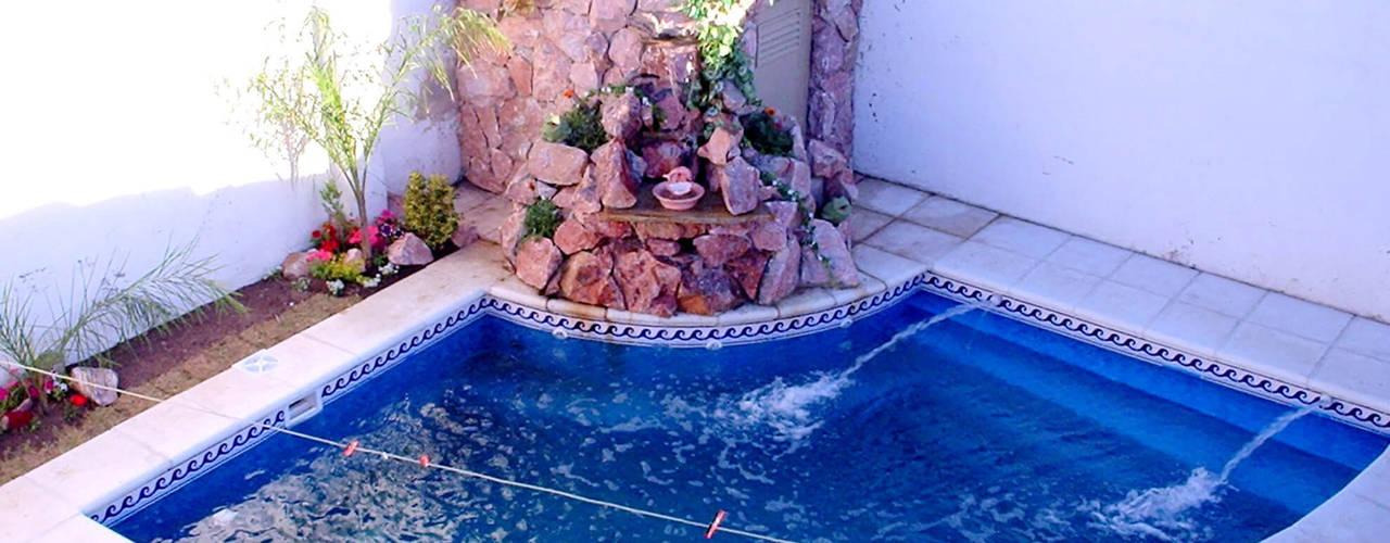 10 piscinas perfectas para casas peque itas for Ideas para piscinas casas