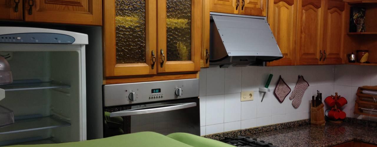 modern Kitchen by acertus