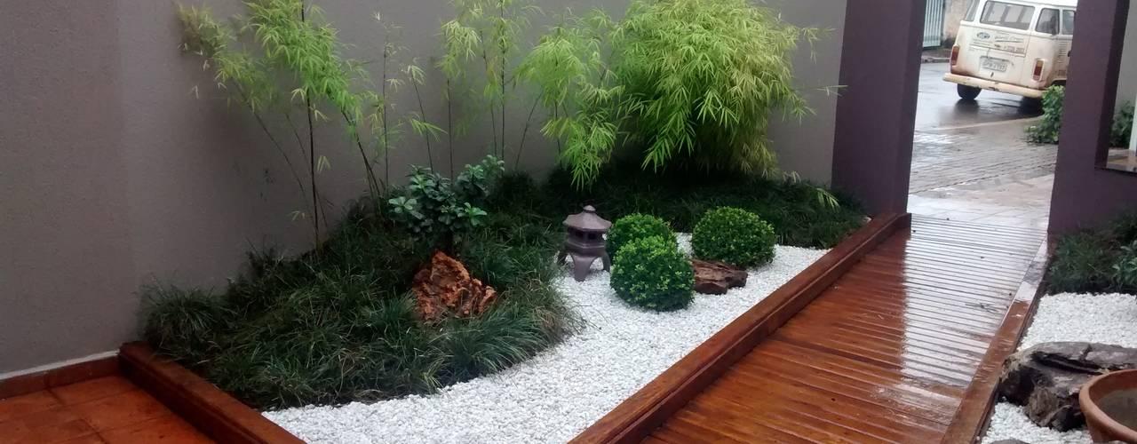 18 patios y jardines modernos y con estilo for Jardines de patios modernos