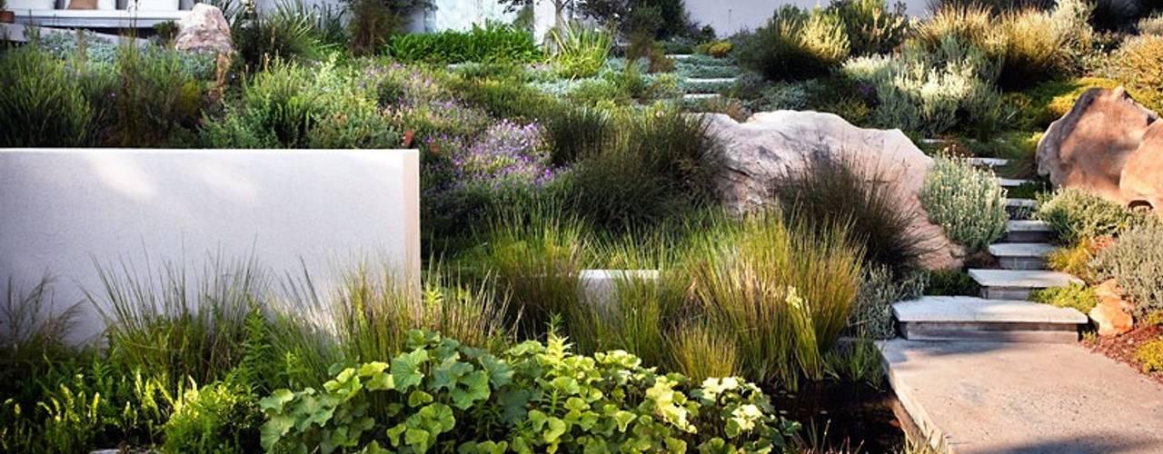 10 id es pour concevoir un jardin en pente. Black Bedroom Furniture Sets. Home Design Ideas
