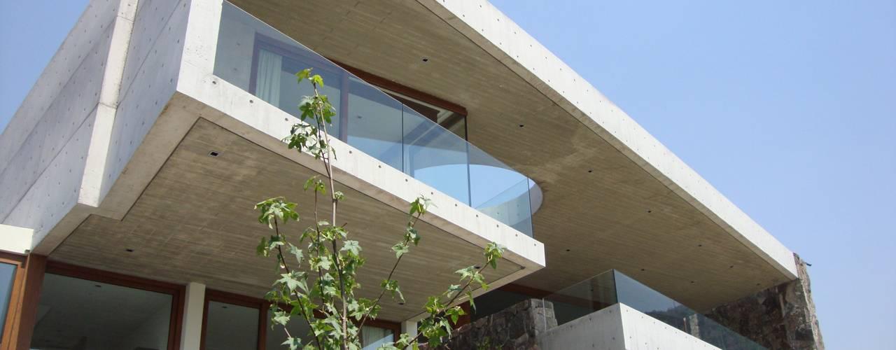 Fabulosas ideas para modernizar tu hogar con pocas lucas for Modernizar fachada casa