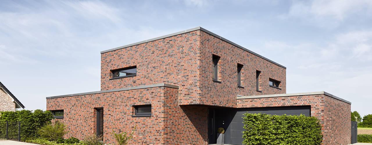 Einfamilienhaus in Schwalmtal: moderne Häuser von Philip Kistner ...
