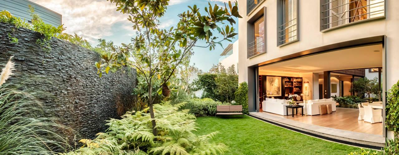 15 jardins pequenos e lindos que voc pode copiar agora mesmo - Imagenes de jardines de casa pequenos ...