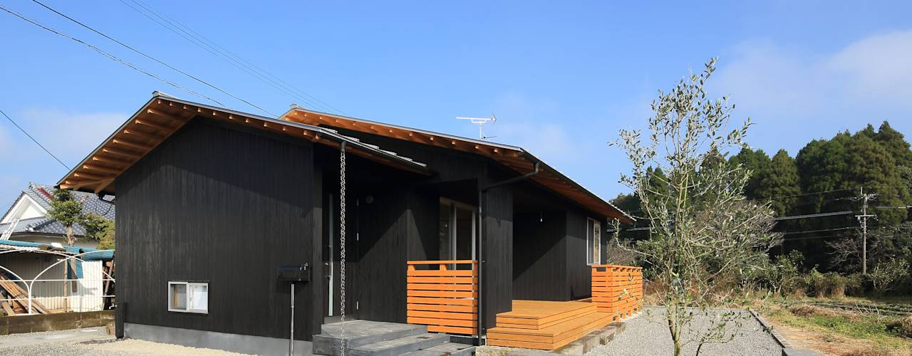 南東側外観: ㈱ライフ建築設計事務所が手掛けたtranslation missing: jp.style.家.minimalist家です。