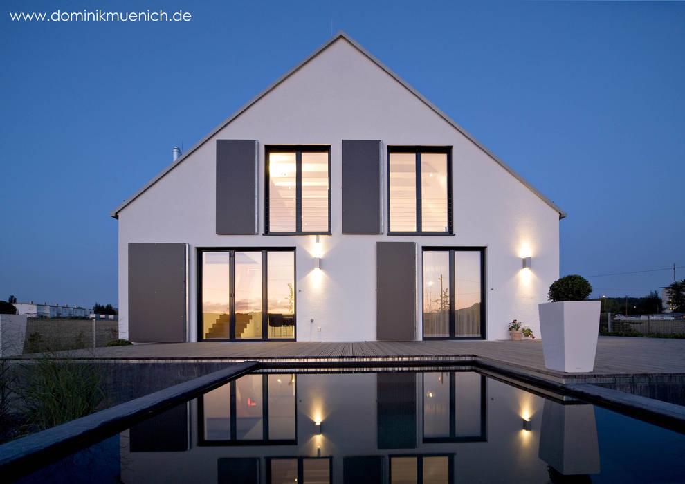 moderne h user bilder generalsanierung am pflanzgarten 20. Black Bedroom Furniture Sets. Home Design Ideas