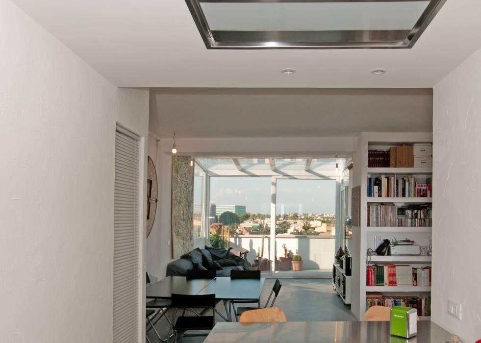 Foto di soggiorno in stile in stile moderno for Immagini di appartamenti moderni
