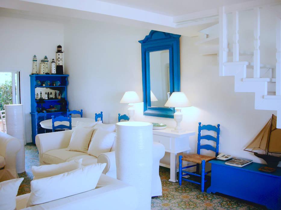 foto di soggiorno in stile in stile mediterraneo villa
