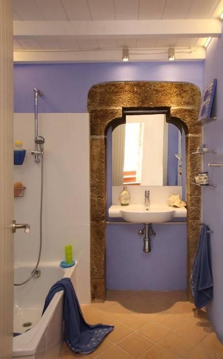 Iluminacion Baño Rustico:Iluminación baño: Baños de estilo rústico de OutSide BCN LED