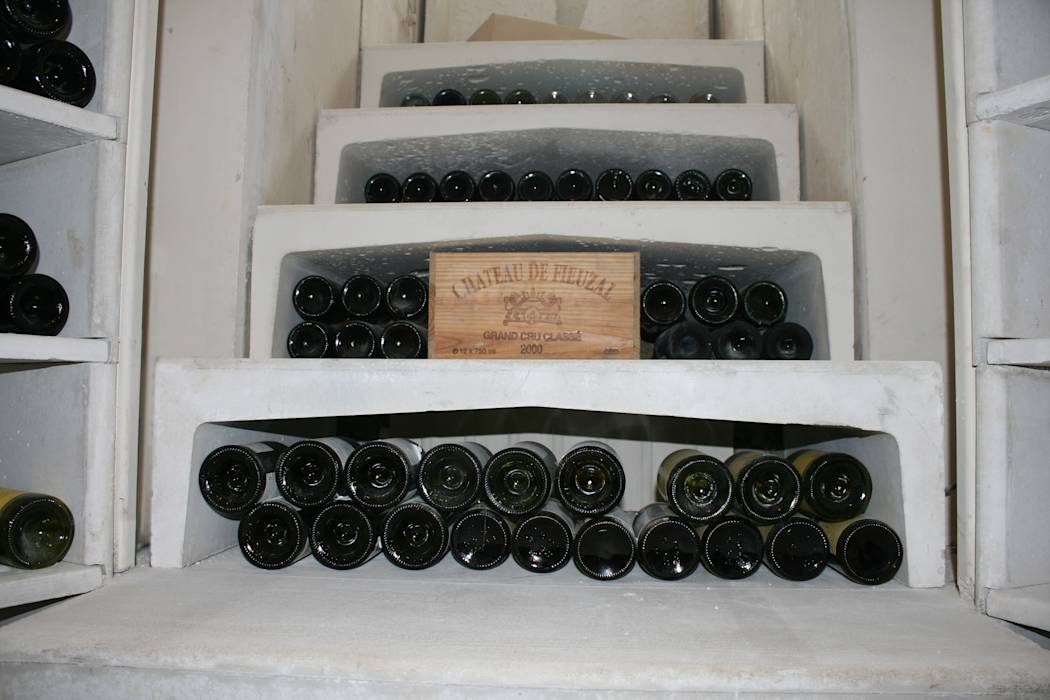 Foto 39 s van een moderne wijnkelder door stone cellar company homify - Moderne wijnkelder ...