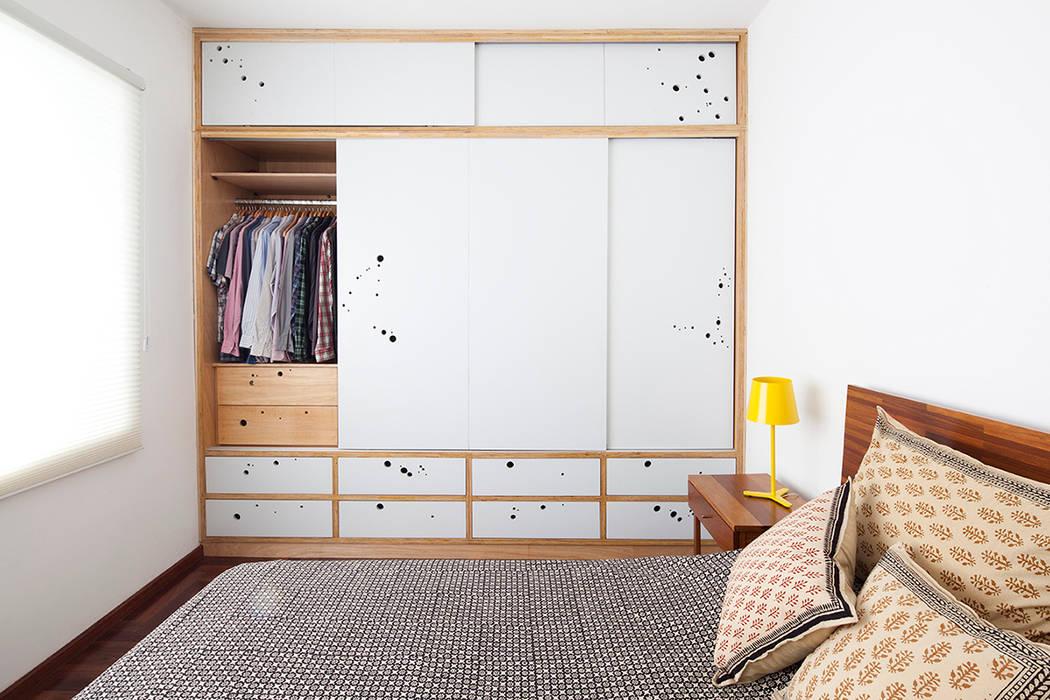 Projekty, translation missing: pl.style.sypialnia.eklektyczny Sypialnia zaprojektowane przez Zoom Urbanismo Arquitetura e Design
