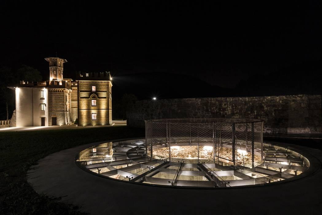 Foto di case in stile in stile moderno castello ceconi for Case in stile castello