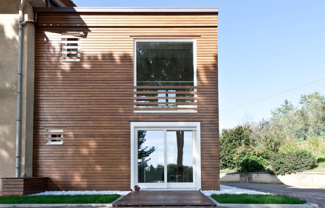 Foto di case in stile in stile minimalista casa b m homify for Casa stile minimalista