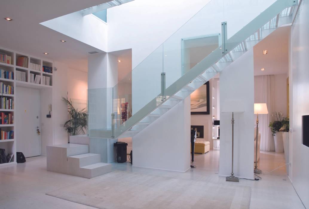 Foto di case in stile in stile moderno una casa piena di - Casa piena di zanzare ...
