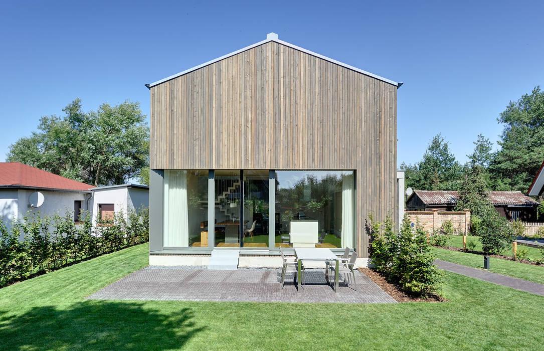 Ferienhaus mit holzfassade moderne häuser von möhring architekten