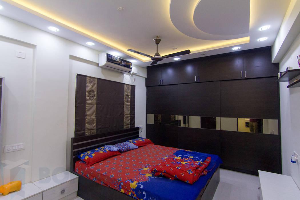 Foto di camera da letto in stile in stile moderno di for Indian wardrobe interior designs