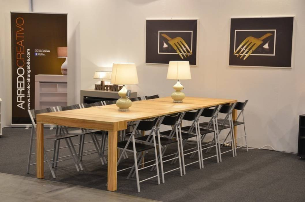Foto di sala da pranzo in stile in stile moderno tavolo - Tavolo sala da pranzo allungabile ...