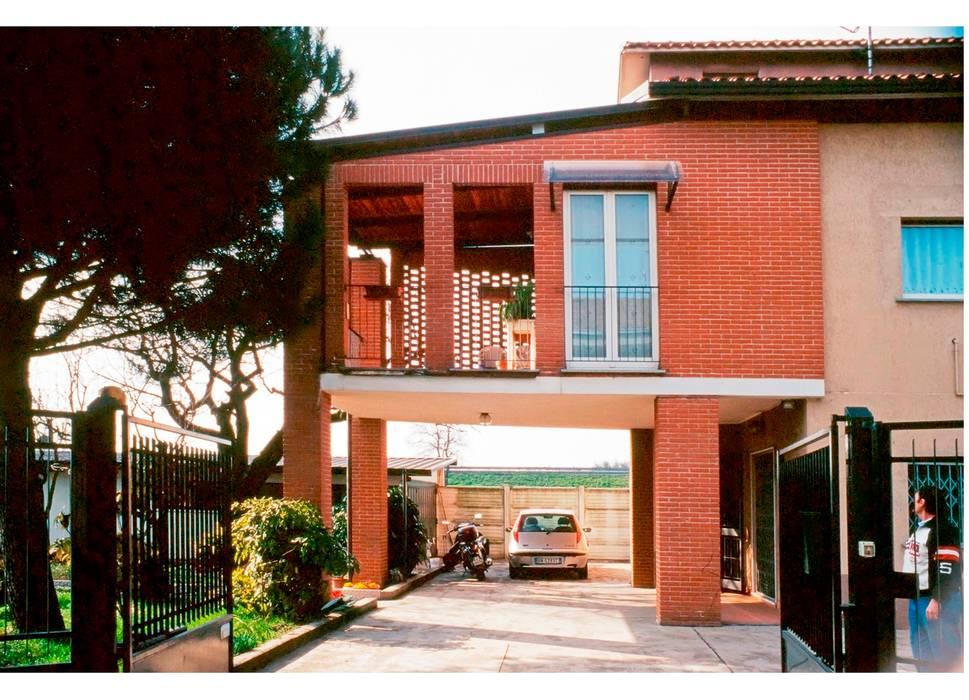 Foto di case in stile in stile moderno ampliamento casa for Nuova casa in stile