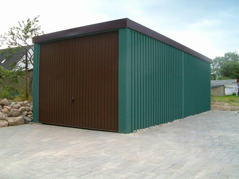 photos de garage hangar de style de style classique par deutsche carportfabrik gmbh co kg. Black Bedroom Furniture Sets. Home Design Ideas