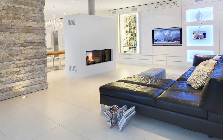 minimalistische wohnzimmer bilder wohnen beidseitig offener kamkin homify. Black Bedroom Furniture Sets. Home Design Ideas