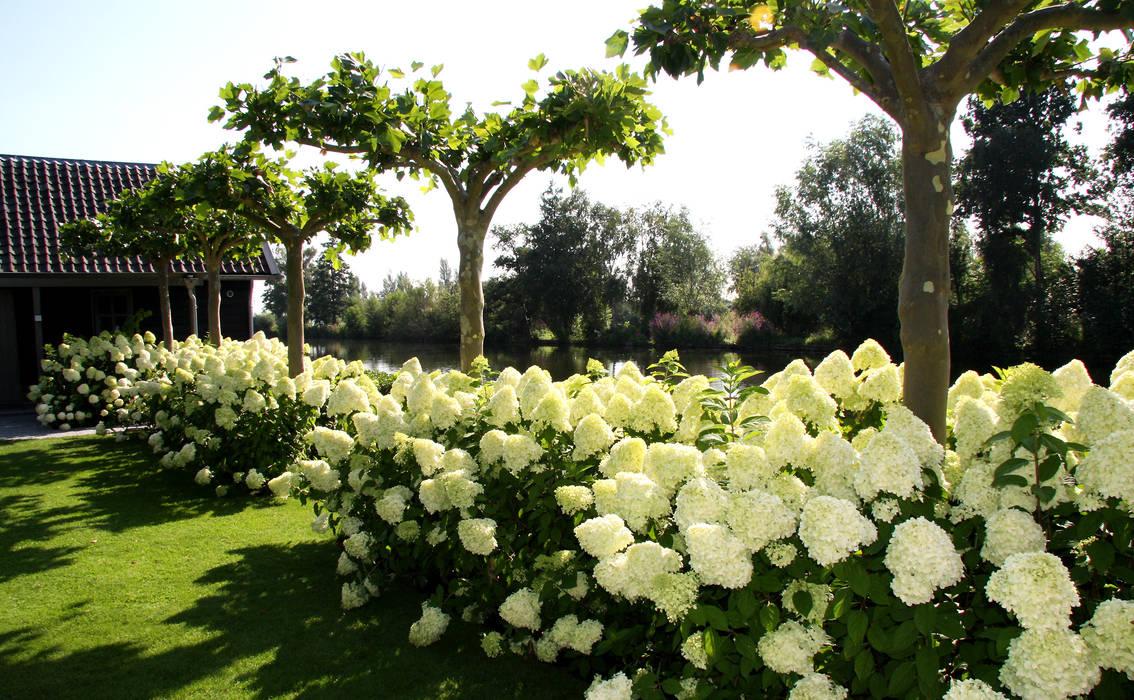 Foto 39 s van een moderne tuin tuin modern landhuis te vinkeveen homify - Te dekken moderne tuin ...
