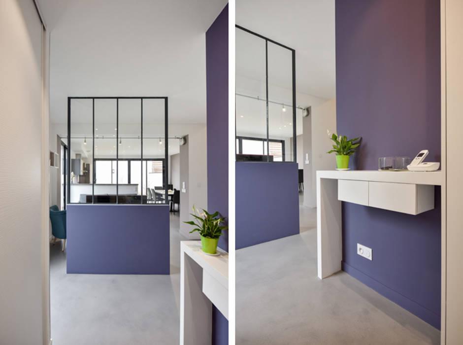 photos de couloir entr e escaliers de style de style moderne sur homify. Black Bedroom Furniture Sets. Home Design Ideas
