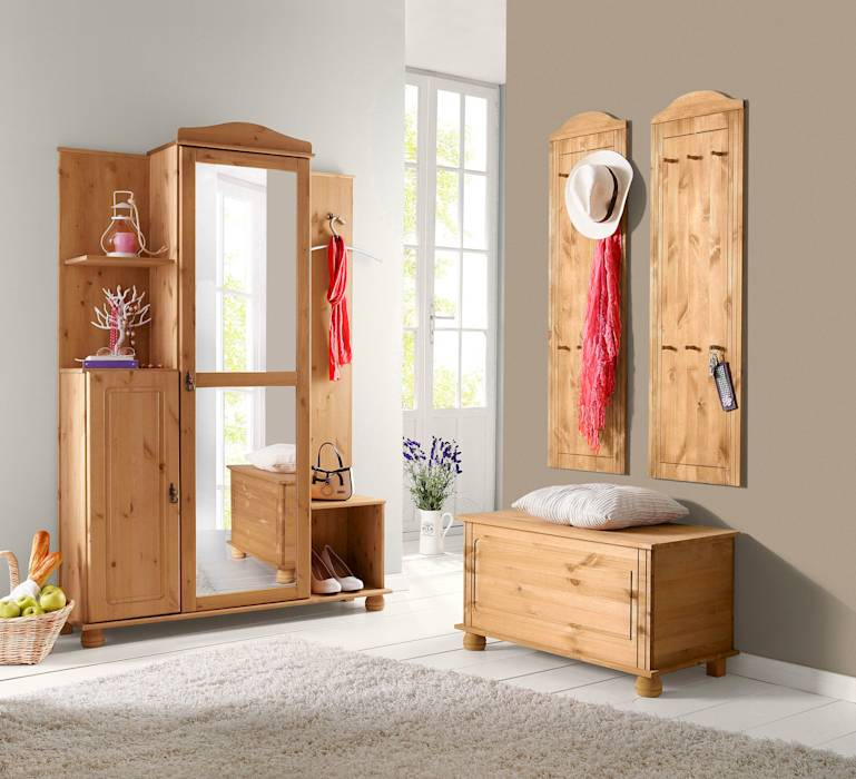 landhausstil flur diele treppenhaus bilder dielenm bel im trio garderobenpaneel sitztruhe. Black Bedroom Furniture Sets. Home Design Ideas