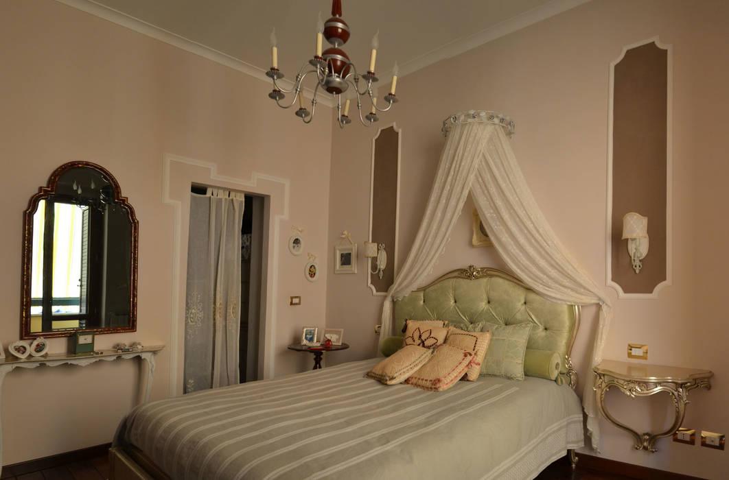 Foto di camera da letto in stile in stile eclettico la for Camera di letto matrimoniale