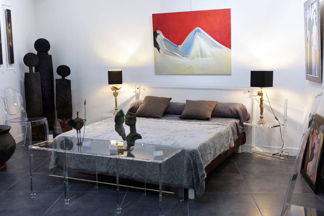 photos de chambre de style de style moderne t te de lit avec tables de chevets pivotantes en. Black Bedroom Furniture Sets. Home Design Ideas