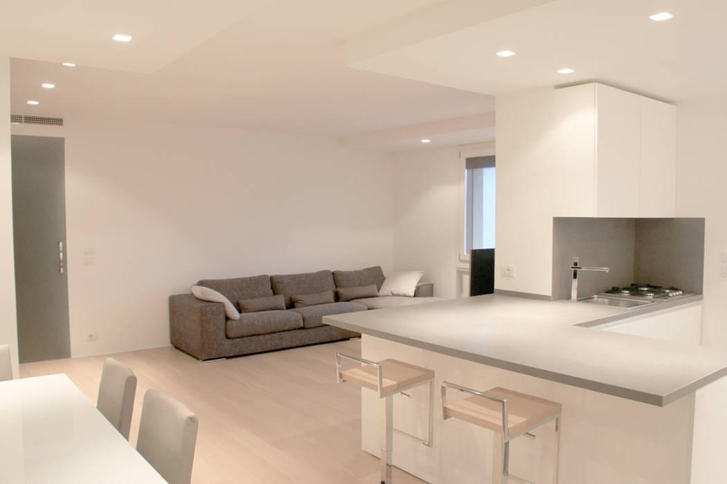 Foto di soggiorno in stile in stile minimalista zona for Soggiorno minimalista