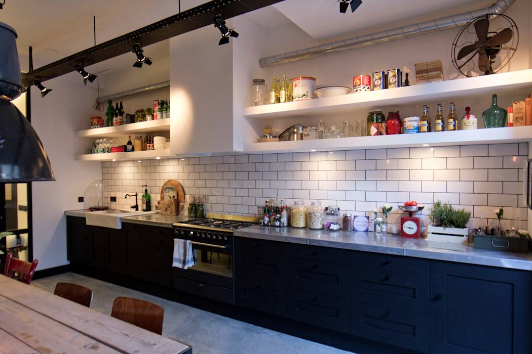 Foto 39 s van een industri le keuken garage loft homify - Keuken industriele loft ...