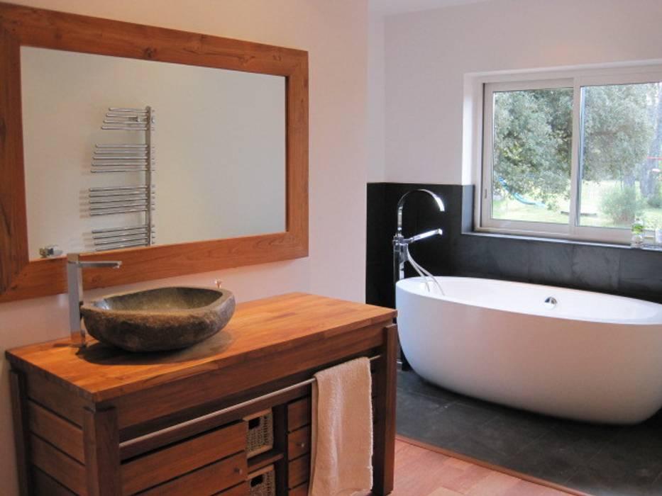 Photos de salle de bain de style de style moderne salle for Salle de bain d architecte