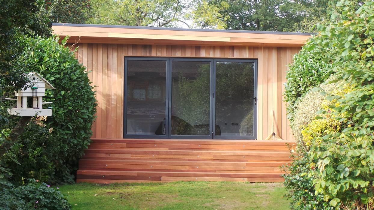 modern Garden by Citi Construction & Developments Ltd